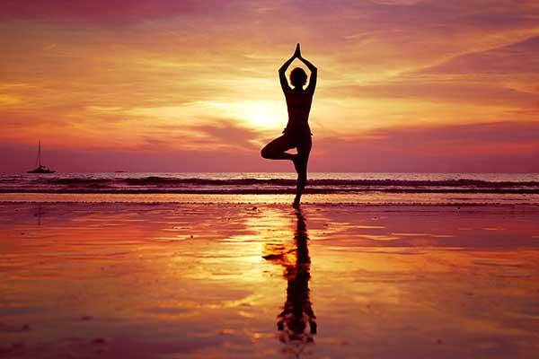 yoga-on-beach